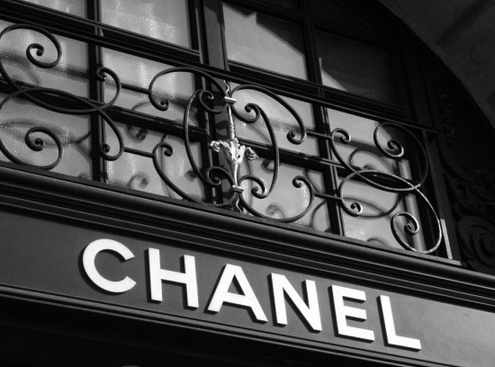 New-Chanel-Store-Crowns-Covent-Garden-Make-Over